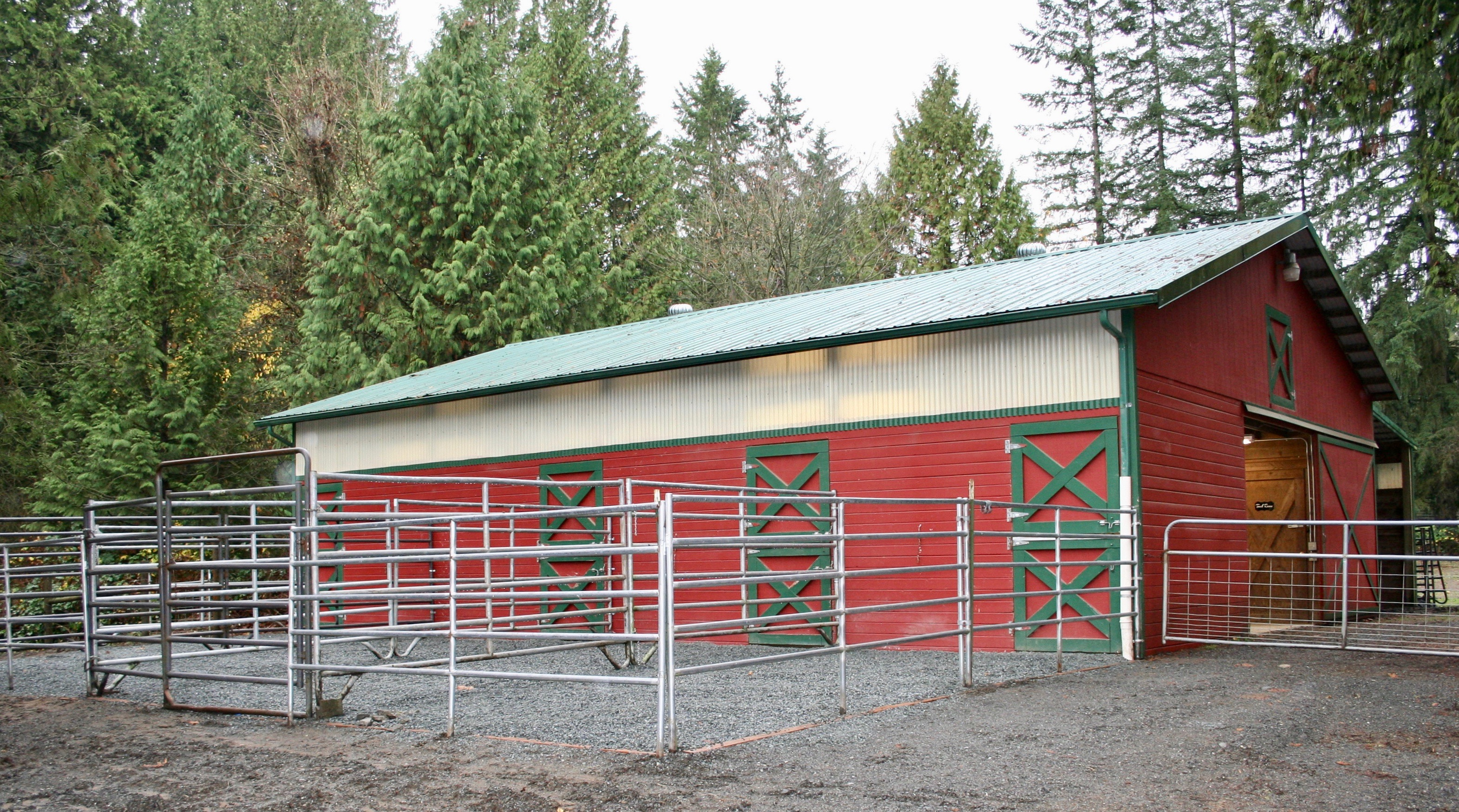 Indoor/Outdoor stalls with new mud-free footing